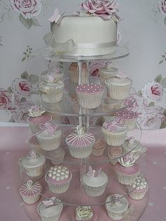 wedding cake vintage cupcakes by Cotton and Crumbs---great idea for a bridal shower cake! Fondant Wedding Cakes, Wedding Cupcakes, Fondant Cakes, Cupcake Fondant, Valentine Cupcakes, Rose Cupcake, Pink Cupcakes, Cake Icing, Pretty Cakes