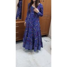 Fashion Ideas Night Out Women fashion brand - Indian fashion Salwar Designs, Kurta Designs Women, Kurti Designs Party Wear, Indian Designer Outfits, Indian Outfits, Designer Dresses, Bandhani Dress, Saree Dress, Anarkali Gown