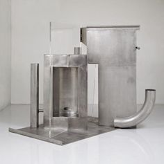 """Anthony Caro - """"The Eye Knows"""" {2013};  stainless steel and clear perspex, 211 x 221 x 221 cm"""