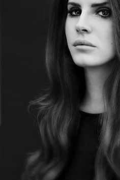 Lana Del Rey in Black and White – 20 photos – Morably