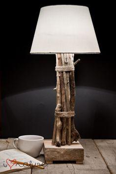 i love nature z Pakamera. Rustic Light Fixtures, Rustic Lighting, Home Lighting, Table Lamp Wood, Wooden Lamp, Recycled Pallet Furniture, Diy Cabin, Driftwood Lamp, Industrial Floor Lamps