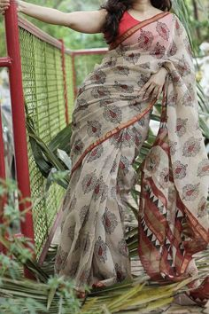 Handblock Printed Kota Doria Saree by Dvija Trendy Sarees, Stylish Sarees, Fancy Sarees, Simple Sarees, Floral Print Sarees, Saree Floral, Printed Sarees, Cotton Sarees Handloom, Jamdani Saree
