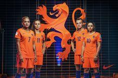 Nike_wieden_kennedy_knvb_netherlands_womens_football_team_lioness_crest_graphic_design_itsnicethat3