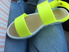 footwear inspiration / inspiration de chaussures #fluo #jelly