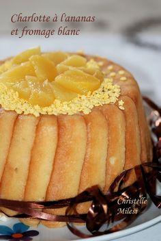 Charlotte à l'ananas et fromage blanc