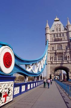 Approach to Tower Bridge, London. You can take a little tour inside Tower Brige
