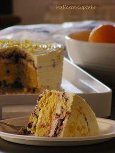 Lemon and blueberries layer cake