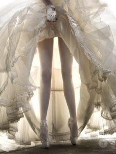 ballerina WOW! Such inspiration for a Boud shoot. whites. nudes. barely there links. let's GO!