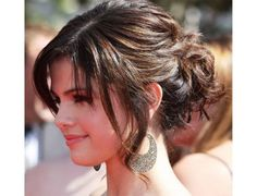 5 Easy Hairstyles to make you Look Uber Glam in a Minute