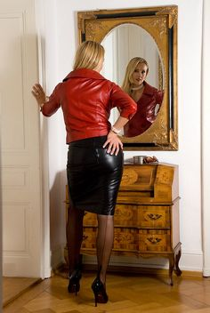 Leather Mini Skirts, Leather Dresses, Leather Skirt, Red Leather, Black Stockings Outfit, Stockings And Suspenders, Pantyhose Skirt, Nylons Heels, Sexy Rock