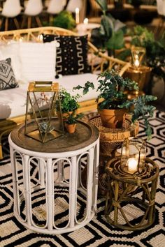 Vintage rattan bentwood side tables for wedding reception decor | Image by Plum & Oak Photo