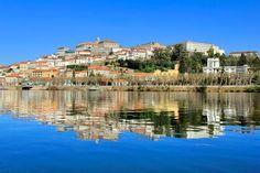 Coimbra vista do Rio Mondego. http://fuievouvoltar.com