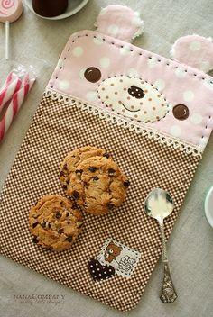 bear snack mat by nanaCompany, via Flickr