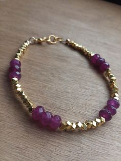 Natural gemstone bracelet with gold beads. Handmade www.etsy.com/shop/annieperezjewelry