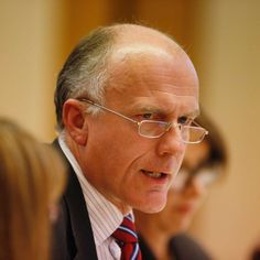 Eric Abetz is rallying against a Liberal Party plan to preference the Greens in key seats at the federal election.