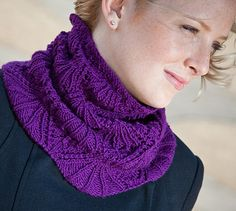 Eleanor cowl: Knitty Deep Fall 2010      [of course I'm going to PIN my namesake!]