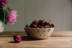 How to Keep Berries Fresh for Longer  the simplicity, tones...and oh my gosh.. the cropped peonies in the corner.... beautiful.