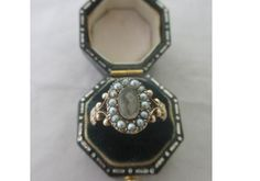 Antique Georgian Inscribed 18ct Gold Seed Pearl Rock Crystal Lense Mourning Ring