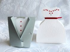 Step by Step to Make Bride and Groom Shaped Boxes. Wedding Boxes, Wedding Cards, Wedding Favors, Wedding Invitations, Candy Crafts, Paper Crafts, Diy Paper Purses, Oh My Fiesta, Origami Paper Art