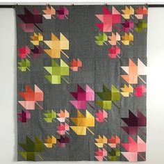Fat Quarter Shop Quiltalong: Lady of the Lake Heritage Threads Fall Breeze by V and Co Nice change to regular maple block quilt This pattern, but then with autumn tone leaves and a 'sky' background Every time I use ombré, it blows my mind. Patchwork Quilt, Scrappy Quilts, Mini Quilts, Gray Quilts, Colchas Quilting, Quilting Projects, Quilt Block Patterns, Quilt Blocks, Quilt Modernen