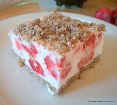 Frozen Strawberry Crumble Bars | Gluten Free, Low Carb | Wheatless Buns