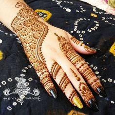 Hassan ツ 😍 😘 mehndi desing, bridal mehndi designs, mehndi art, bridal hen Indian Mehndi Designs, Mehndi Designs For Girls, Modern Mehndi Designs, Mehndi Design Pictures, Mehndi Designs For Fingers, Beautiful Mehndi Design, Mehndi Images, Mehandi Designs, Heena Design
