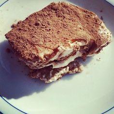 Während die Anderen Hefekuchen essen, genieße ich mein Kohlenhydrate freies Tiramisu :) yammmiiii