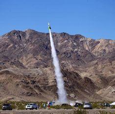 Amerikaner katapultiert sich mit selbstgebastelter Rakete in den Himmel