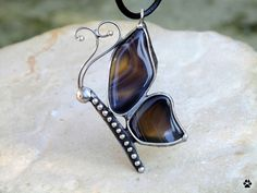 Motýlek - náhrdelník s acháty