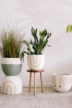 Ceramic Pots, Terracotta Pots, Diy Garden, Garden Pots, Potted Plants, Indoor Plants, Ibiza Look, Pop And Scott, Painted Plant Pots