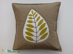 Handmade Cushions, Throw Pillows, Blanket, Sewing, Diy, Bags, Scrappy Quilts, Beach Homes, Do It Yourself