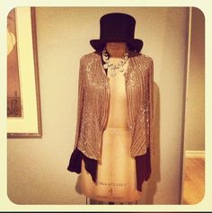I want a mannequin like this sooo bad for my room!
