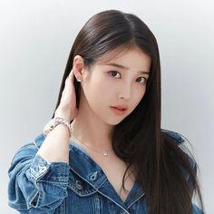 Iu Short Hair, Short Hair Styles, Cute Korean, Korean Girl, Iu Twitter, Girl Artist, Iu Fashion, Korean Actresses, My Princess