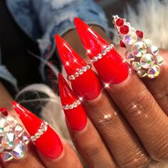 Instagram @Ti.nyyyy Long Stiletto Nails, Pointed Nails, Long Acrylic Nails, Glam Nails, Dope Nails, Bling Nails, Nails Only, Luxury Nails, Trendy Nails