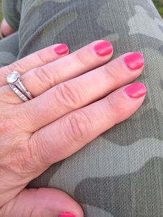 Promises! #shellac #nails #nailart   http://www.urbanmoms.ca/trend_watch/2013/05/cnd-shellaca-promise-fulfilled.html