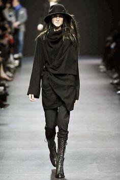 Ann Demeulemeester Fall 2008 Ready-to-Wear Fashion Show - Carolina Pantoliano