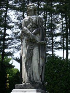 Quabbin Cemetery MA. Photo By L A King.