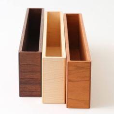 ハガキが3列、A5が2列のレターラック。スタイルストア専属のバイヤーが、6つのこだわりの選定基準で選んだ「YAMASAKI DESIGN…