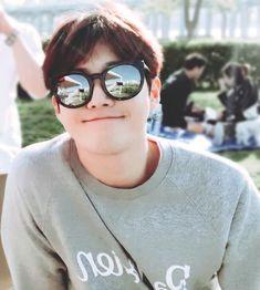 Read dating kim junmyeon 🐰 from the story exo fluff imagines by xiusmiles (☁️) with reads. - SUCH A SOFT CARING BOYFRIEND 😩- heheh. Suho Exo, Exo Ot12, Exo K, Kai, K Pop, Kim Joon Myeon, Kim Minseok, Wattpad, Exo Members