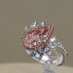 Truly breathtaking pink diamond ring✨ #carefullydesigned #finejewelry #JewelerToTheStars