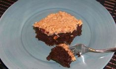 A delicious low carb gluten free German chocolate cake. This paleo friendly coconut flour based zucchini chocolate cake is super moist and flavorful. Low Carb Deserts, Low Carb Sweets, Coconut Flour Cupcake Recipe, Coconut Cupcakes, Dairy Free Baking, Delicious Desserts, Dessert Recipes, German Chocolate, Chocolate Cake