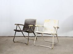 Vintage Lawn Chairs / 1950s Metal Folding Chairs via 86home on Etsy, 158.00