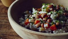 Hoppin John  Sprinkle with chives or scallions, and serve.