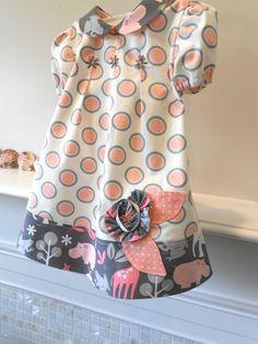 peter pan collar dress...love the flower