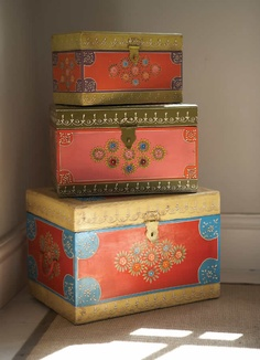 These beautifully handpainted fair trade wooden boxes are designed to nest inside each other. Painted Trunk, Painted Wooden Boxes, Wood Boxes, Hand Painted, Diwali Decoration Items, Thali Decoration Ideas, Funky Furniture, Painted Furniture, Decoupage