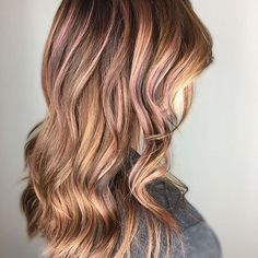 More dusty rose to love. Color by @shear.gemini  #hair #hairenvy #hairstyles #haircolor #rosegold #dustyrose #balayage #highlights #newandnow #inspiration #maneinterest