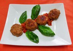 Polpette con pomodorini http://www.lovecooking.it/secondi/polpette-con-pomodorini/