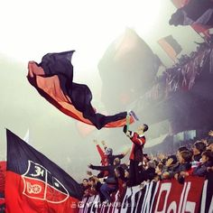 Banderas rojas  Banderas negras  EL MÁS GRANDE DEL INTERIOR
