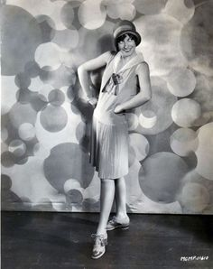Joan Crawford flapper roles parts movies – Old Hollywood Stars, Classic Hollywood, Divas, 1920s Aesthetic, 1920s Flapper, Flappers 1920s, Flapper Girls, Hollywood Costume, Glamour Photo