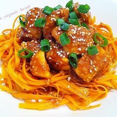 """""""Healthy sesame chicken over a bed of coodles (carrot-noodles!) Made by Checkout Ingredients (makes two servings):…"""" Diced Chicken, Healthy Sesame Chicken, Carrot Noodles, Garlic Seeds, Fish Sauce, Coconut Flour, Tomato Sauce, Carrots, Kitchens"""